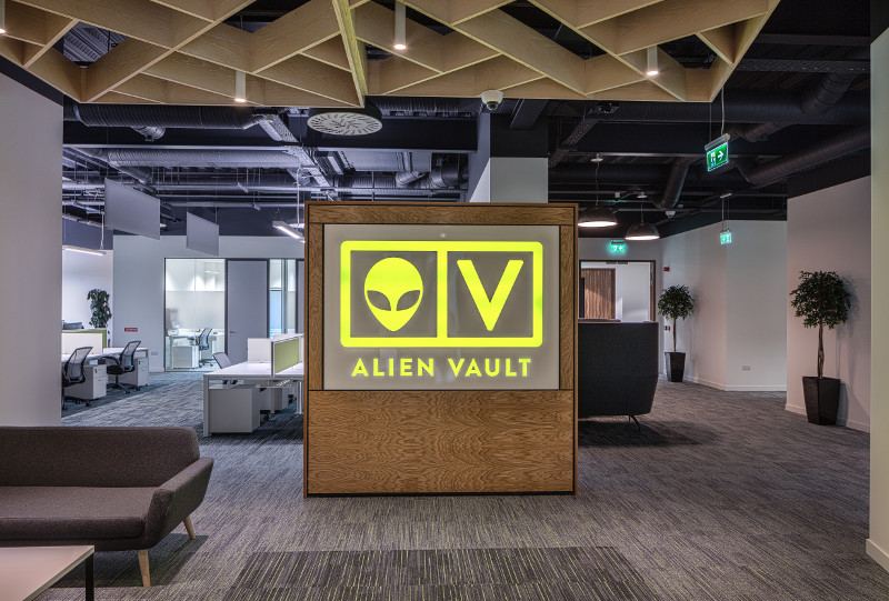Alient Vault Cork